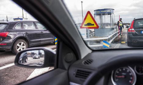 Sweden extends border controls until November