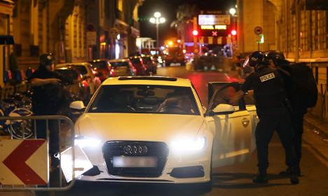 How did the truck get past? – France probes Nice security