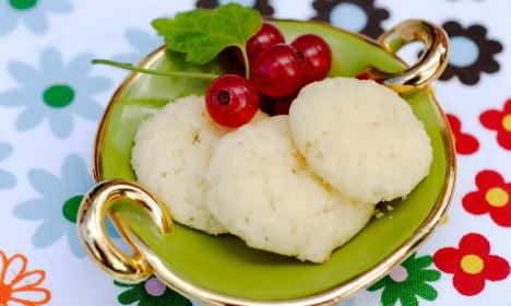How to make Swedish 'Dream' cookies for fika