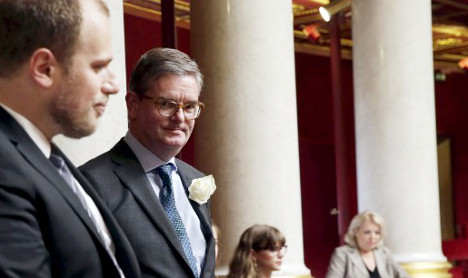 Cameron names UK envoy in Paris as EU Commissioner