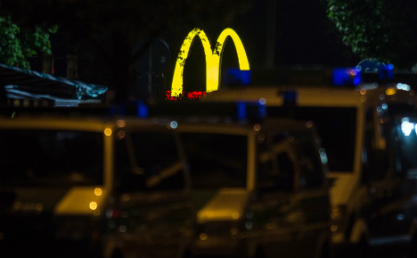 'Lone' Munich shooter kills nine, commits suicide