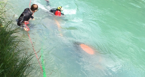 Tractor plunges into river Aare in Bern