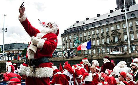 Santas spread (summer) Christmas cheer in Denmark