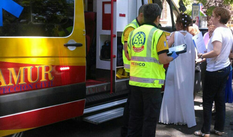 Couple marries in ambulance after groom passes out