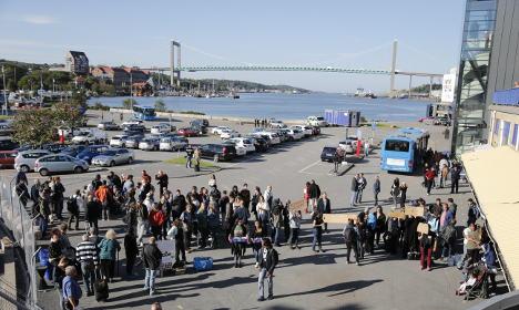 Sweden halves migration forecast figures for 2016
