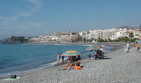 Spain's 'war of the beach umbrellas' heats up