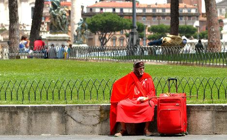 Rome's new mayor banishes photo gladiators