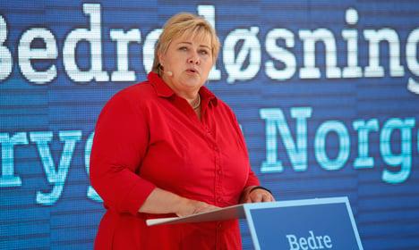 Norway PM hunts Pokémon in Slovakia