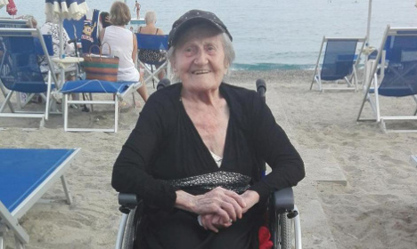 This 104-year-old just saw the sea for the first time