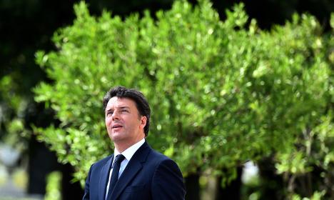 Italy's Renzi prepares for stormy autumn