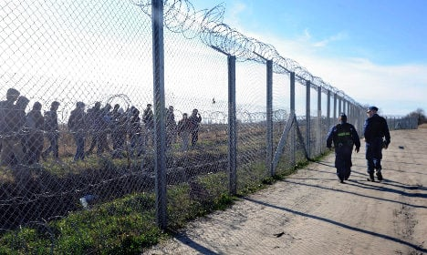 Sweden rebukes Hungary in row over asylum seekers