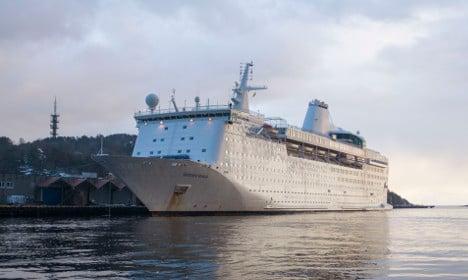 Sweden's asylum seeker cruise ship told to set sail