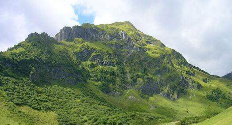 German hiker dies after falling 100 metres in Austrian Alps