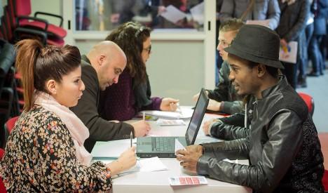 France's jobless rate (finally) drops below 10 percent