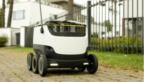 Robots and drones: deliverymen of the future?