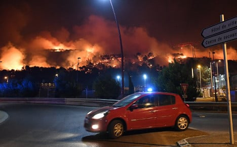 Hundreds flee homes as bush fires rage in southern France
