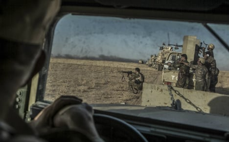 Germany starts sending weapons to Kurds again