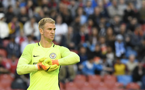 England 'keeper Hart jets in for Torino medical