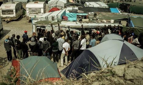 Bulging Calais camp now home to '9,000 refugees'