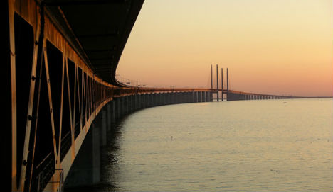 Øresund Bridge to get a huge new paint job