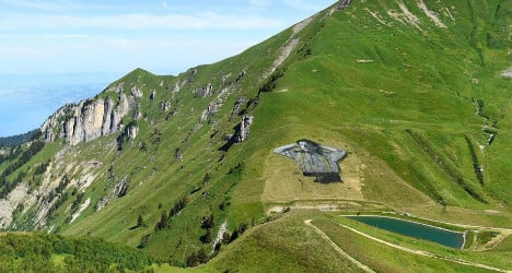 Swiss resort unveils huge 'natural' fresco on mountain