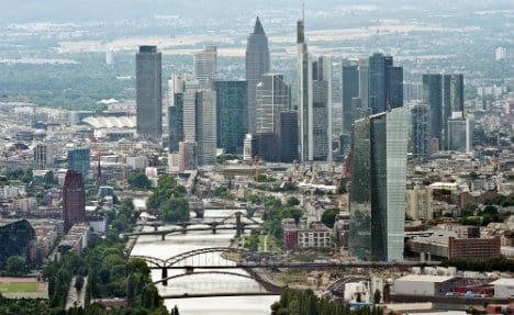 Frankfurt attempts to charm banks away from London