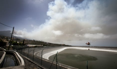 More than 2,500 forced from homes in La Palma wildfire