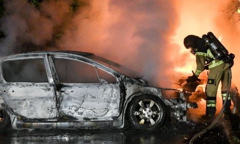 Malmö police catch car arson suspect in the act