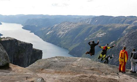 Foreign base jumper 'presumed dead' in Norway