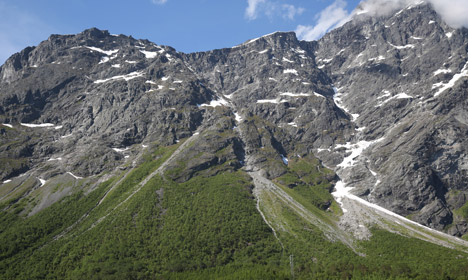 'Moving' Norway mountain puts residents on red alert