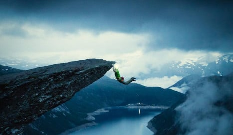 Norway climber slammed for Trolltunga stunt