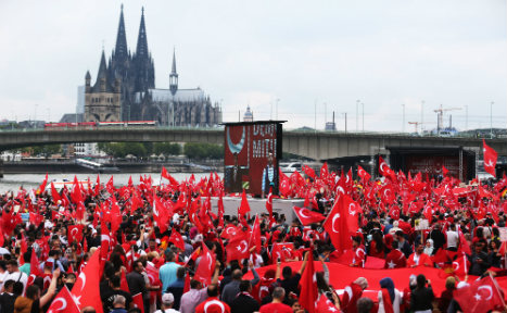 Tensions as tens of thousands rally for Erdogan in Cologne