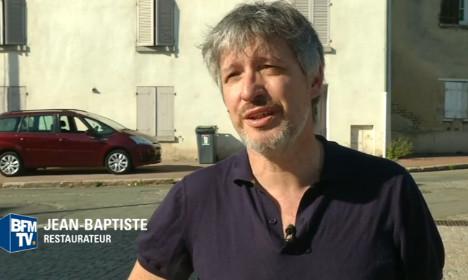 Paris restaurant owner tells Muslim women to leave