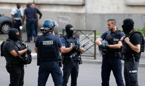 Three held in France for plotting terror attacks