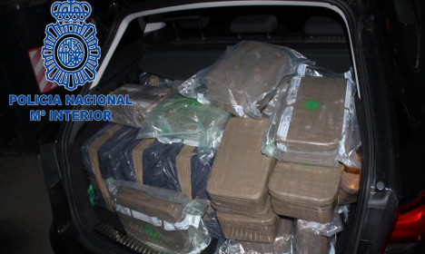 Four Spanish police arrested for drug theft