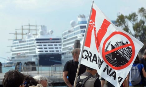 Venetians dress as pirates to protest cruise ships