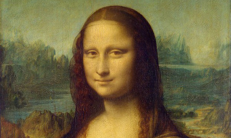 French banned from 'Mona Lisa smile' on photo IDs