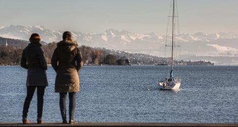 Survey: expats in Switzerland have money but few friends
