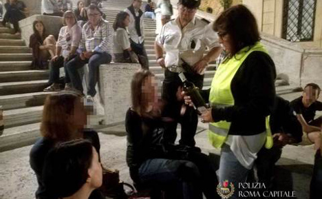Tourists fined €900 for drinking on Rome's Spanish Steps