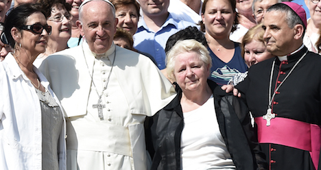 Pope says religious killing is satanic