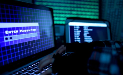 Foreign state 'aims hack attack' against top politicians