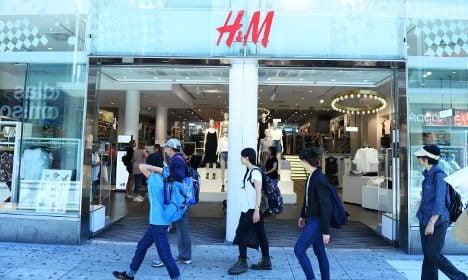 Warm weather melts H&M profits