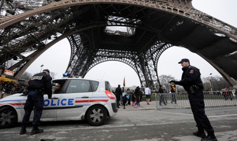 Outraged Paris police told to pay their own speeding fines