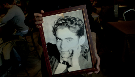 New search underway for civil war grave of poet Lorca