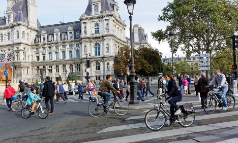 IN PICS: Walkers and cyclists take over Paris streets