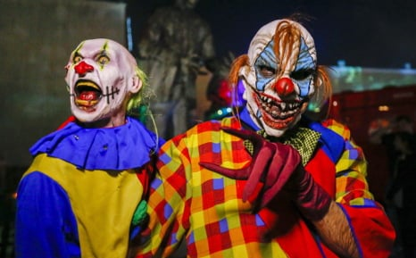 Armed clowns rob pizza joint outside Berlin