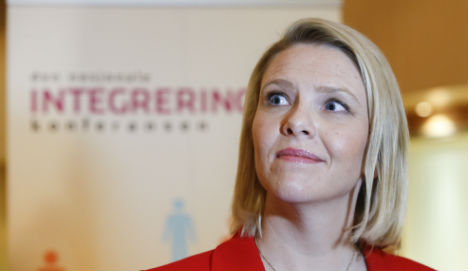 Muslims call for Norway minister to resign after pork post
