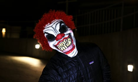 Oliver, 8, jumps from balcony to escape scary clown