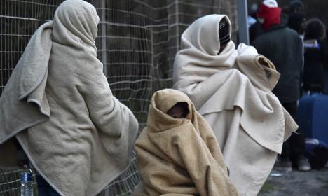France and Britain accused of abandoning Calais minors