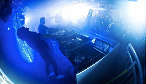 Man in Sweden fined for peeing on woman in nightclub